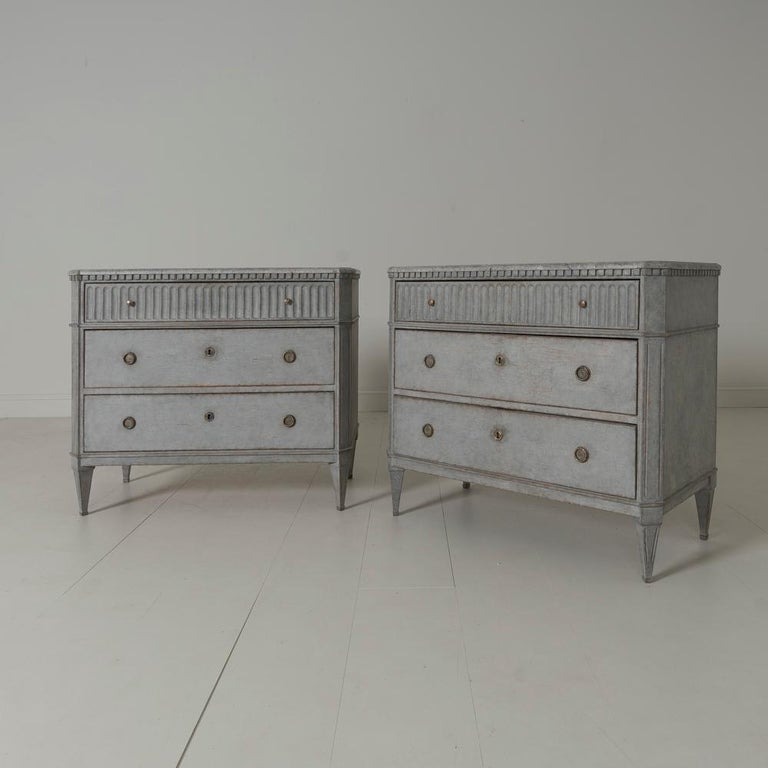 Swedish Gustavian Style Pair of Painted Bedside Commodes with Marbleized Tops 8