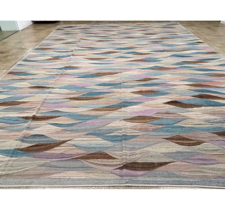 Swedish Inspired Contemporary Turkish Flat-Weave Kilim Large Oversize Carpet In New Condition For Sale In New York, NY