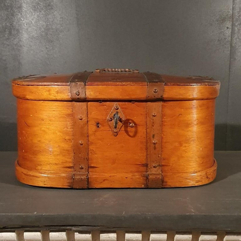Large early 19th century Swedish travel box with original iron work, 1810.     Dimensions 21.5 inches (55 cms) wide 16 inches (41 cms) deep 11 inches (28 cms) high.