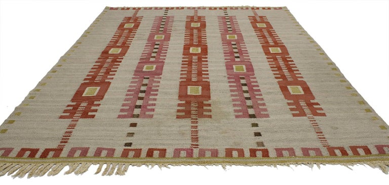 77038 Vintage Swedish Kilim Röllakan Rug with Scandinavian Modern Style, Flatweave Rug. With its geometric design and hygge vibes, this hand-woven wool vintage Swedish Kilim rug beautifully embodies the simplicity of Scandinavian modern style. It