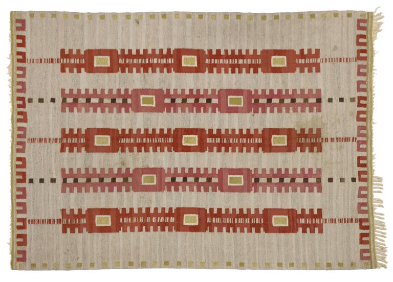 Vintage Swedish Kilim Röllakan Rug with Scandinavian Modern Style, Flatweave Rug In Good Condition For Sale In Dallas, TX