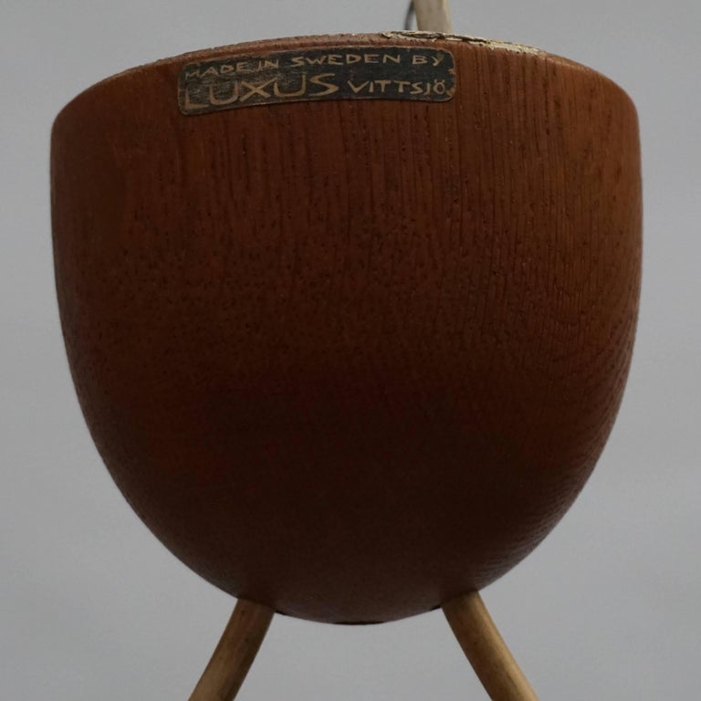 Swedish Midcentury Pendant in Oak and Opaline Glass In Good Condition For Sale In Antwerp, BE