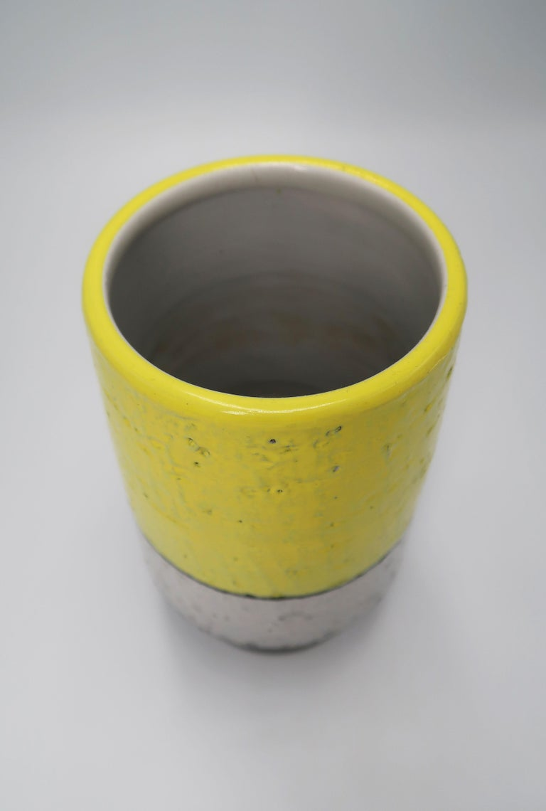 Swedish Midcentury Yellow, Grey, Black Vase by Mari Simmulson for Upsala Ekeby In Good Condition For Sale In Frederiksberg, DK
