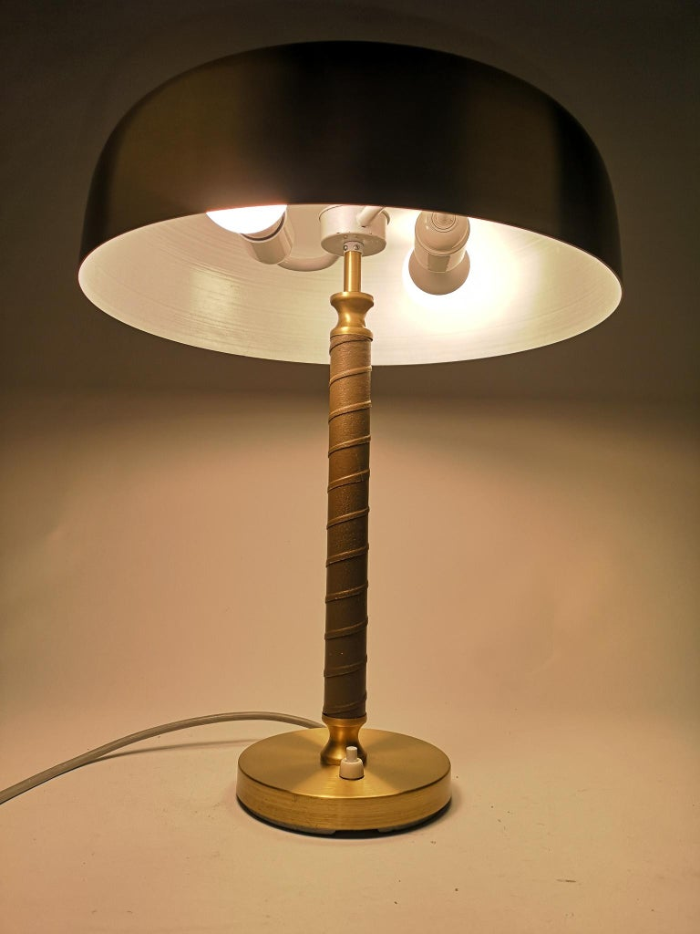 Swedish Midcentury Table Lamp in Brass and Leather by Boréns For Sale 6