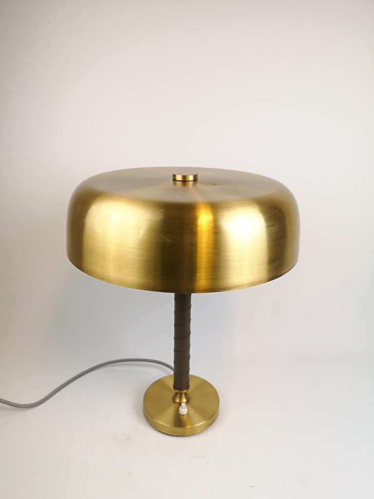 Wonderful table lamp in brushed brass and leather by Boréns, Sweden.