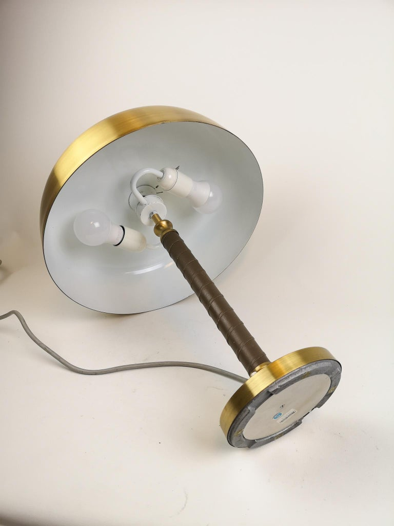 Swedish Midcentury Table Lamp in Brass and Leather by Boréns For Sale 3