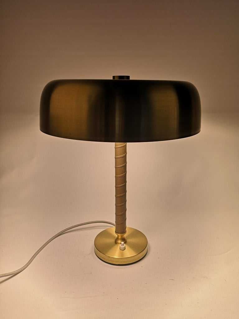 Swedish Midcentury Table Lamp in Brass and Leather by Boréns For Sale 4