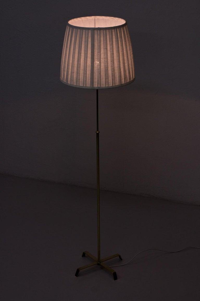 Swedish Modern Brass Floor Lamp by Böhlmarks, 1940s For Sale 5