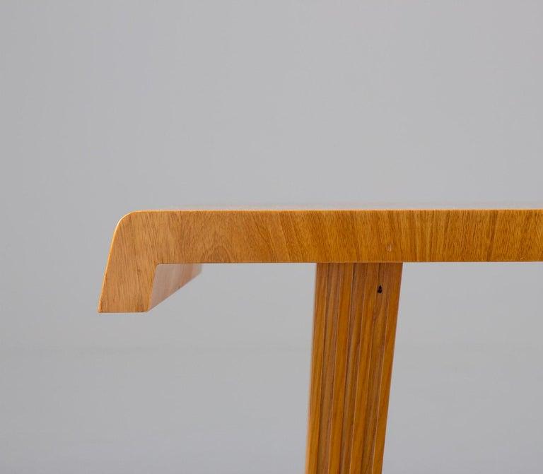 Swedish Modern Coffee Table, 1940s For Sale 1