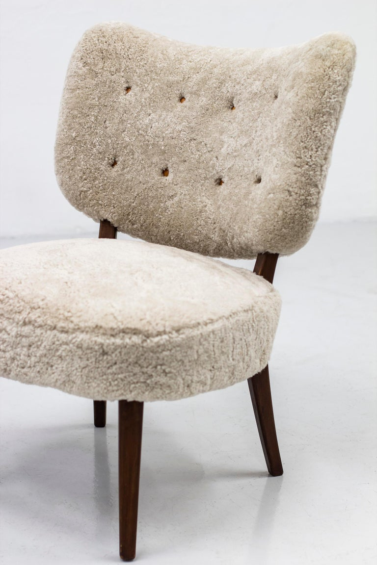 Swedish Modern Sheepskin Lounge Chairs in the Style of Otto Schulz For Sale 1