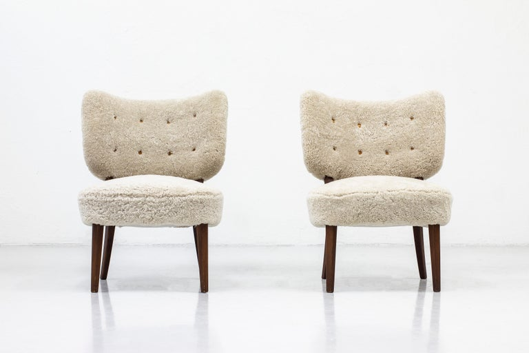 Swedish Modern Sheepskin Lounge Chairs in the Style of Otto Schulz For Sale 2