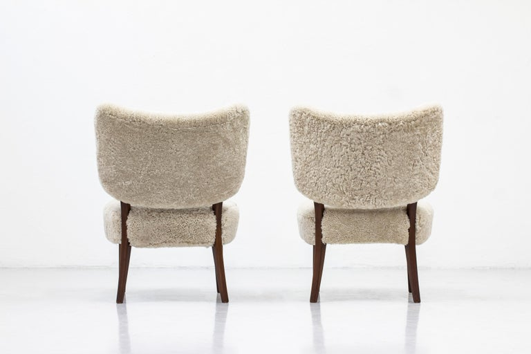 Swedish Modern Sheepskin Lounge Chairs in the Style of Otto Schulz For Sale 3