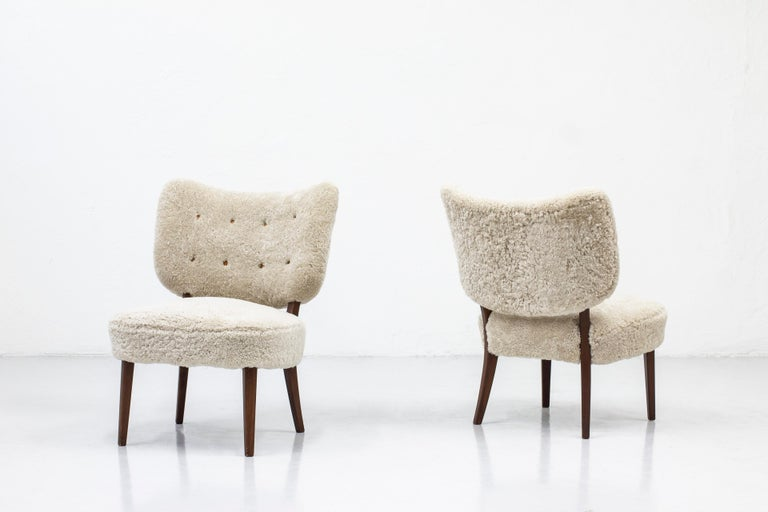 Swedish Modern Sheepskin Lounge Chairs in the Style of Otto Schulz For Sale 4