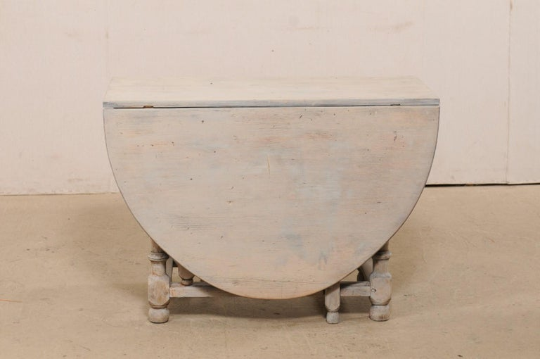 Swedish Oval-Shaped Double Gate Leg Painted Wood Table, Turn of the 18/19th C For Sale 7