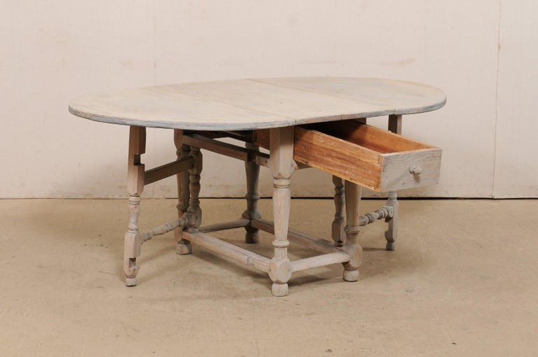 18th Century Swedish Oval-Shaped Double Gate Leg Painted Wood Table, Turn of the 18/19th C For Sale