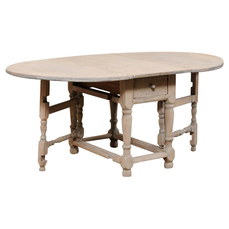 Swedish Oval-Shaped Double Gate Leg Painted Wood Table, Turn of the 18/19th C For Sale