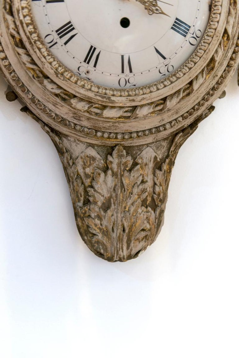 Swedish Painted and Gilded Wood Cartel Clock In Good Condition In Washington, DC
