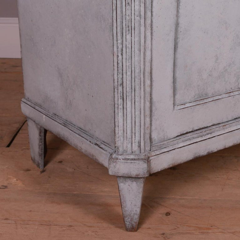 Swedish Painted Buffet In Good Condition For Sale In Leamington Spa, Warwickshire