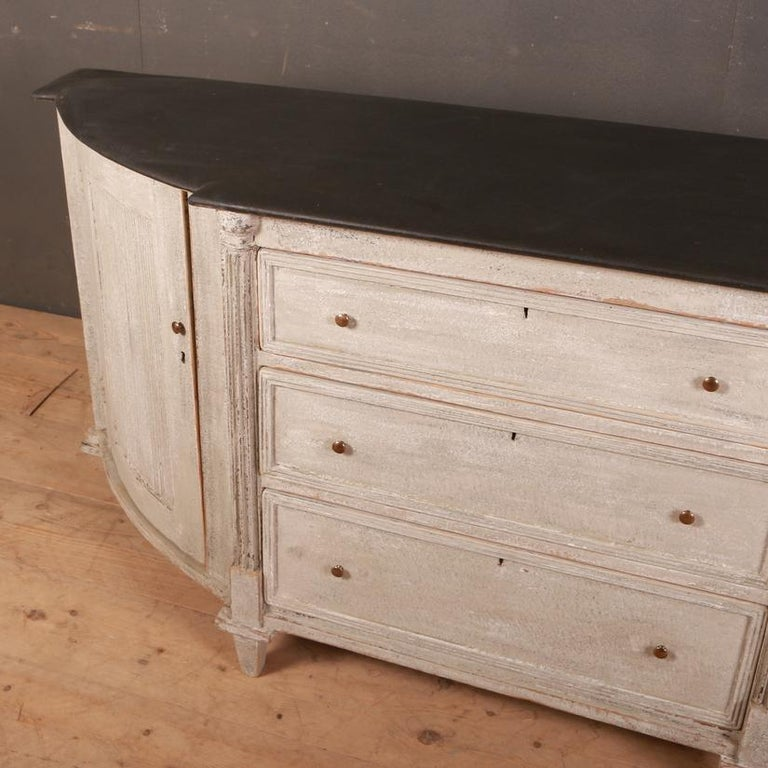 19th century Swedish painted bow ended buffet, 1840  Dimensions 72 inches (183 cms) wide 19 inches (48 cms) deep 33.5 inches (85 cms) high.