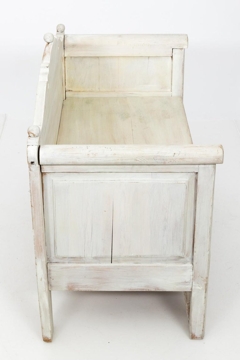 Swedish Painted Storage Bench, circa 1900 For Sale 4