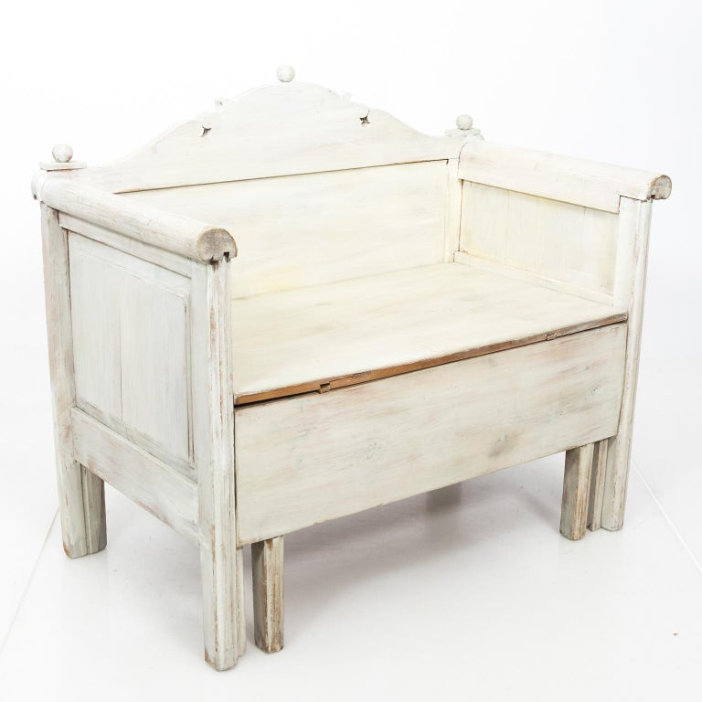 Swedish Painted Storage Bench, circa 1900 For Sale 2