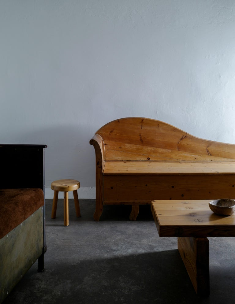 Swedish Pine Chaise Canapé Sofa in a Wabi-Sabi Style Produced in the Late 1800s For Sale 5