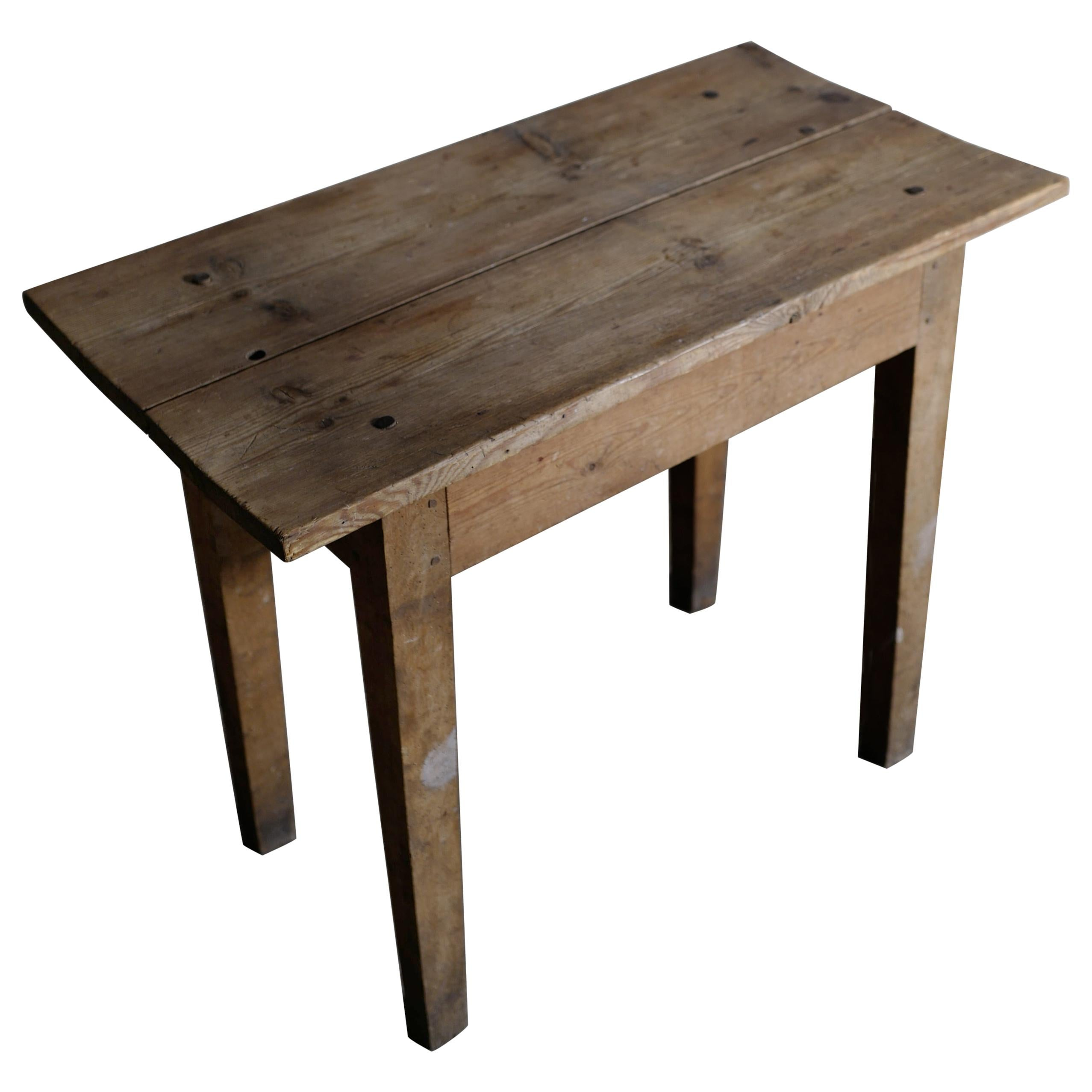 Swedish Primitive Console Side Table in Pine, Late 1800s