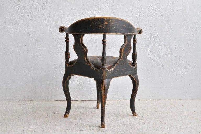 Swedish Rococo Black Corner Chair, 18th Century In Good Condition For Sale In Madrid, ES