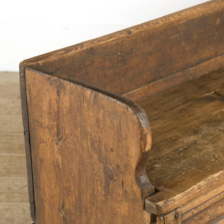 Swedish Rustic Folk Art Bench In Good Condition For Sale In Gloucestershire, GB