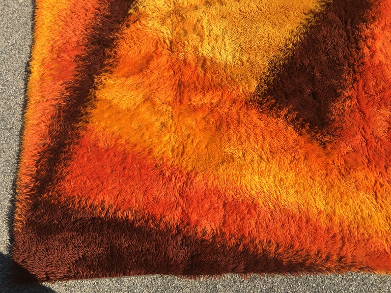 Swedish Rya Rug In Good Condition For Sale In Hingham, MA