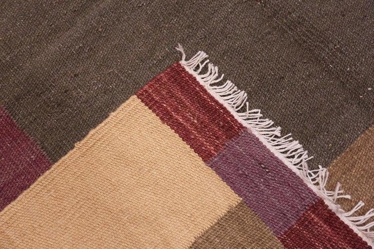 Beautiful up-beat Swedish Scandinavian style modern Kilim rug, country of origin: India, date circa 21st century. Size: 7 ft x 9 ft 1 in (2.13 m x 2.77 m)