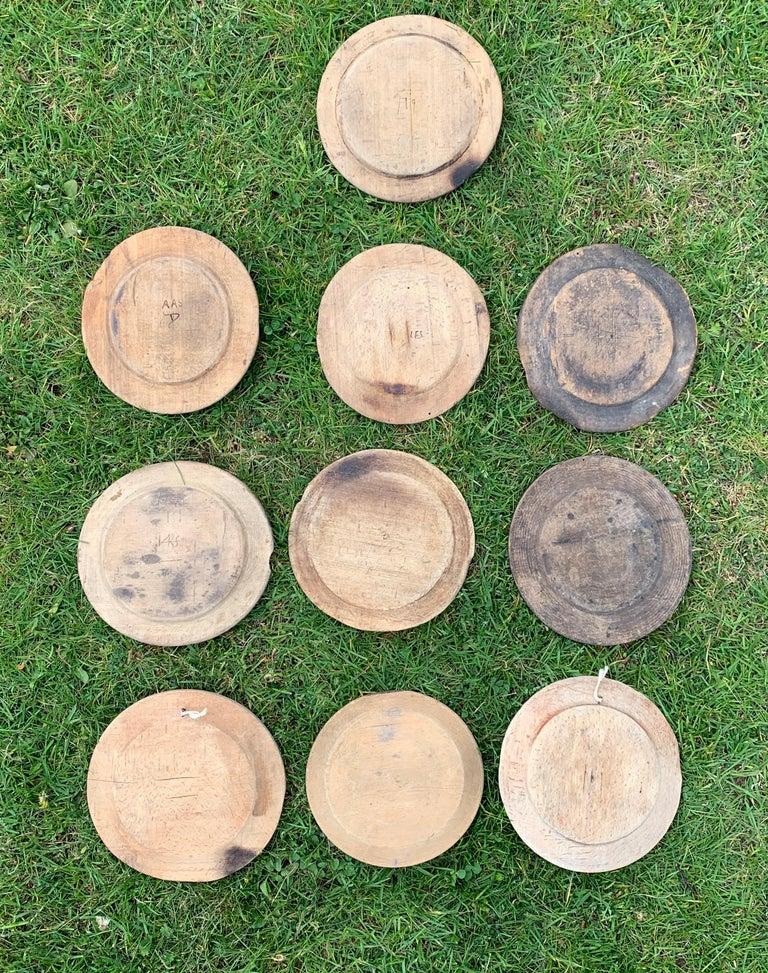Swedish Set of 10 Wooden Folk Art Dinner Plates For Sale 6