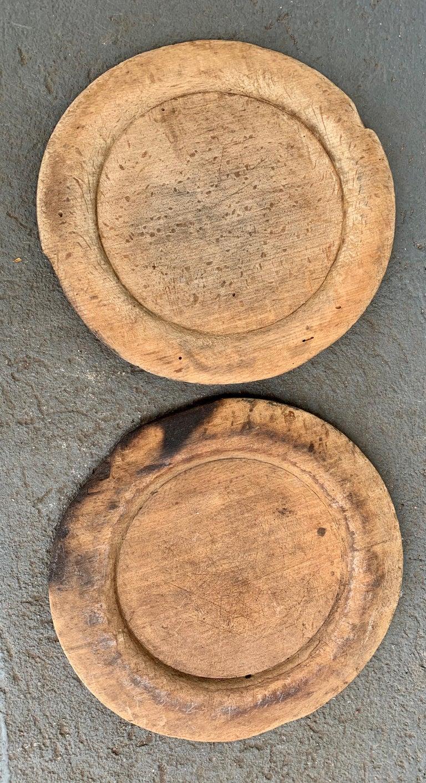 Swedish Set of 10 Wooden Folk Art Dinner Plates For Sale 13