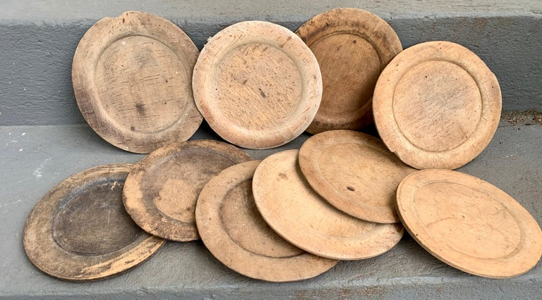Hand-Crafted Swedish Set of 10 Wooden Folk Art Dinner Plates For Sale