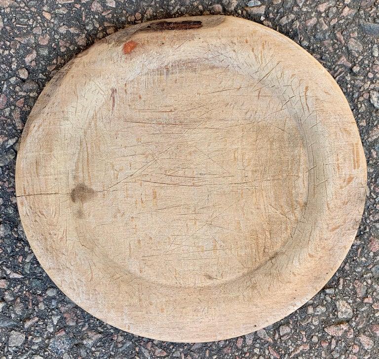 Swedish Set of 9 Antique Wooden Folk Art Dinner Plates For Sale 3