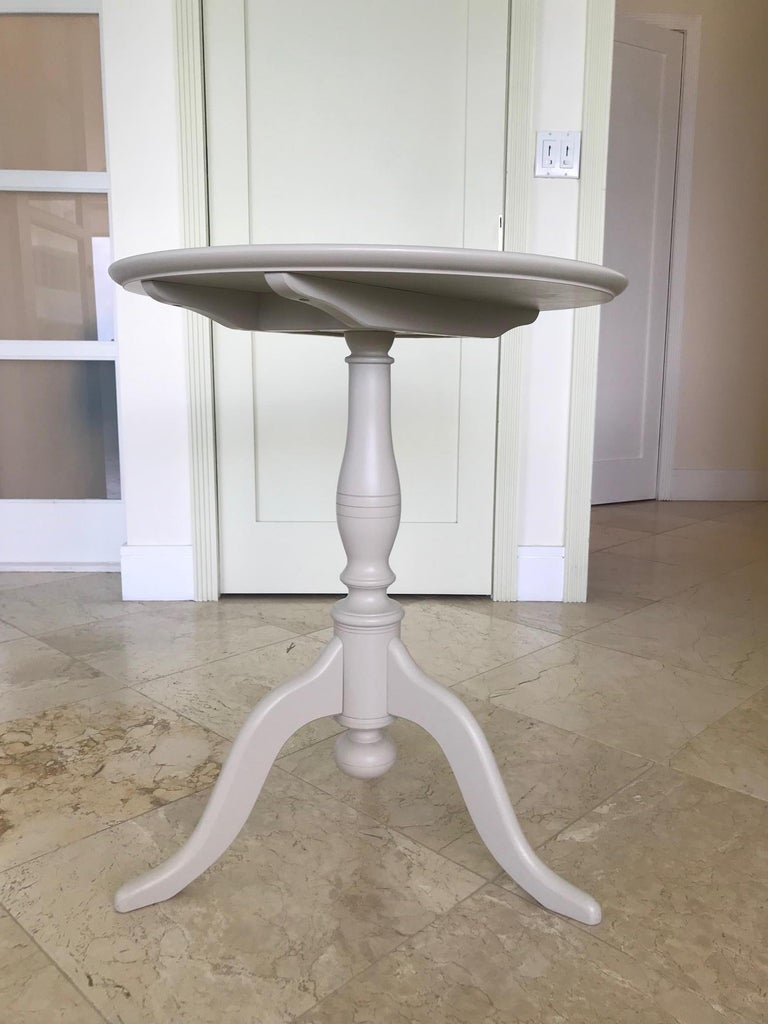 Swedish Side Table with Tilt Top in Hand Painted Taupe Wood, c. 1970's In Good Condition For Sale In Fort Lauderdale, FL