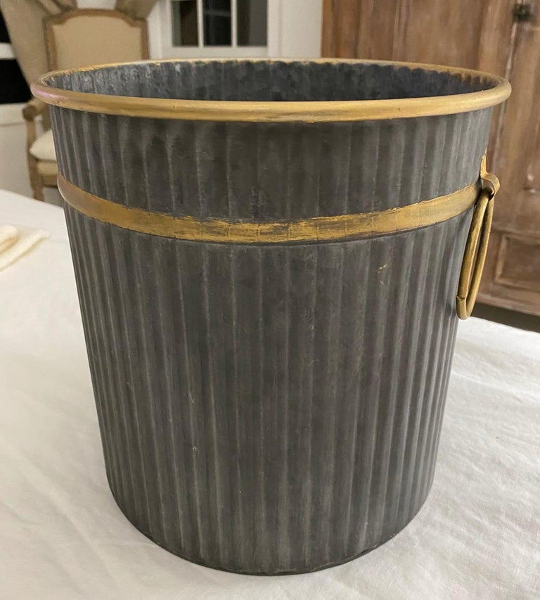 Rustic and elegant at the same time, add a neoclassical country touch to your bedroom or bathroom. The gold gilt edging gives it a Classic vintage/antique feel. Suitable for any decor -- modern, Art Deco, neoclassical, classical, Swedish Gustavian,