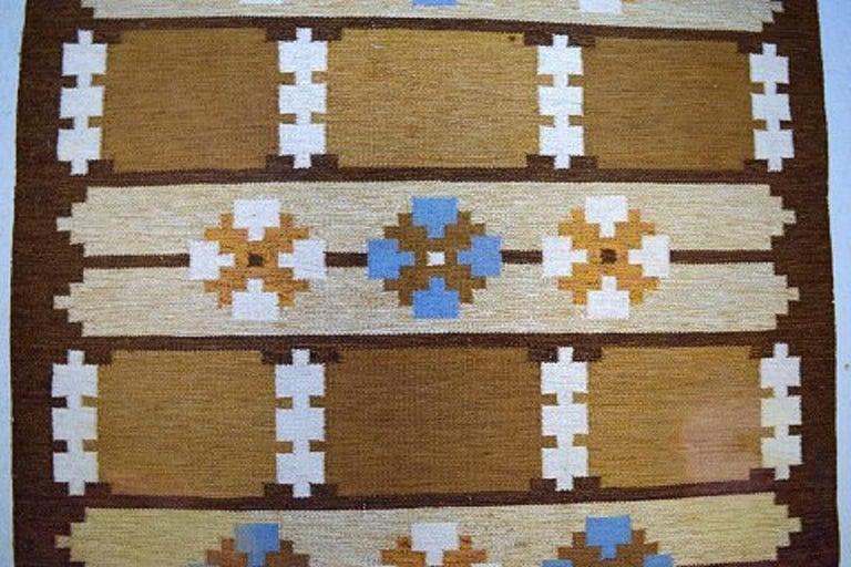 Scandinavian Modern Swedish Textile Designer, Large Handwoven Rölakan Rug in Pure Wool For Sale
