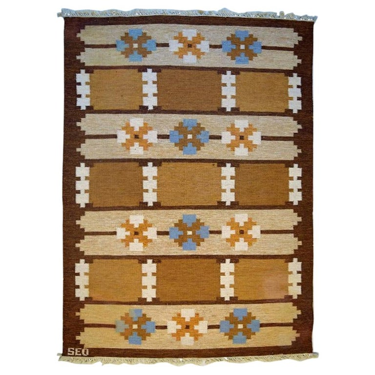 Swedish Textile Designer, Large Handwoven Rölakan Rug in Pure Wool For Sale