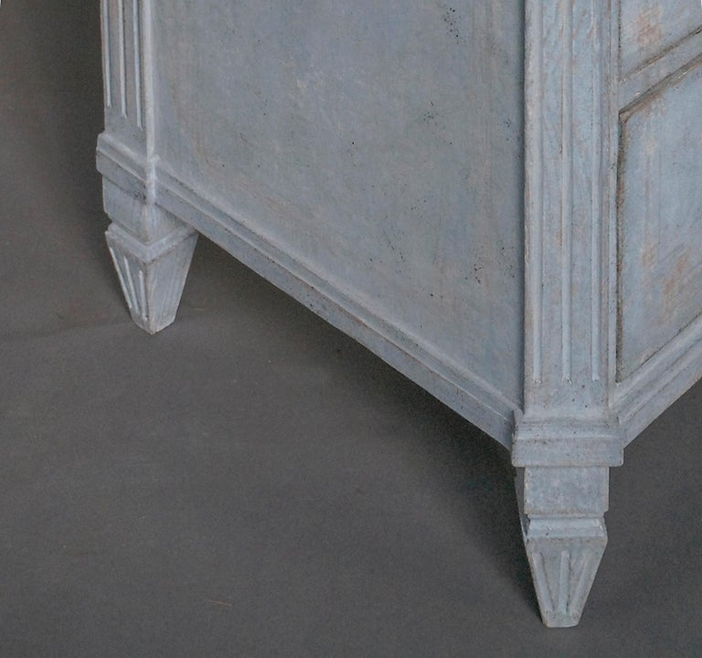 19th Century Swedish Three-Drawer Commode in Blue Paint For Sale