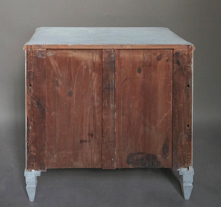 Swedish Three-Drawer Commode in Blue Paint For Sale 1