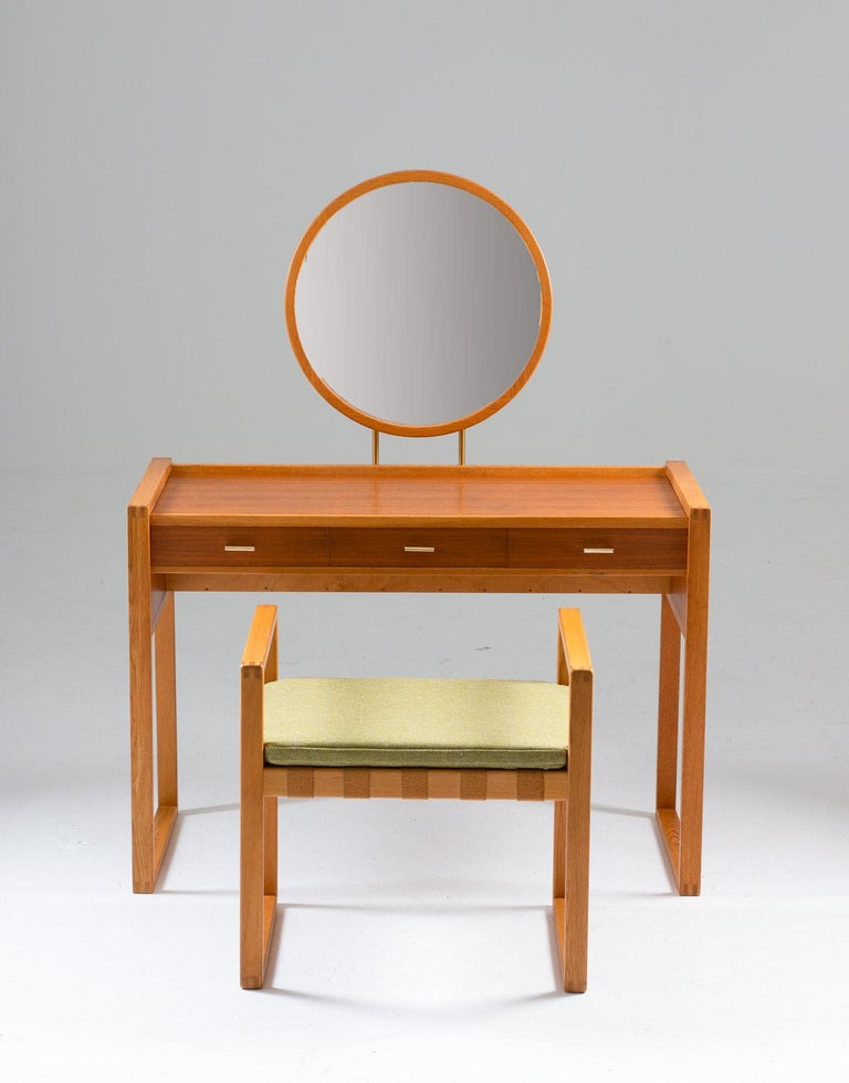 Elegant vanity table with stool by AB Nybrofabriken, Fröseke, Sweden.