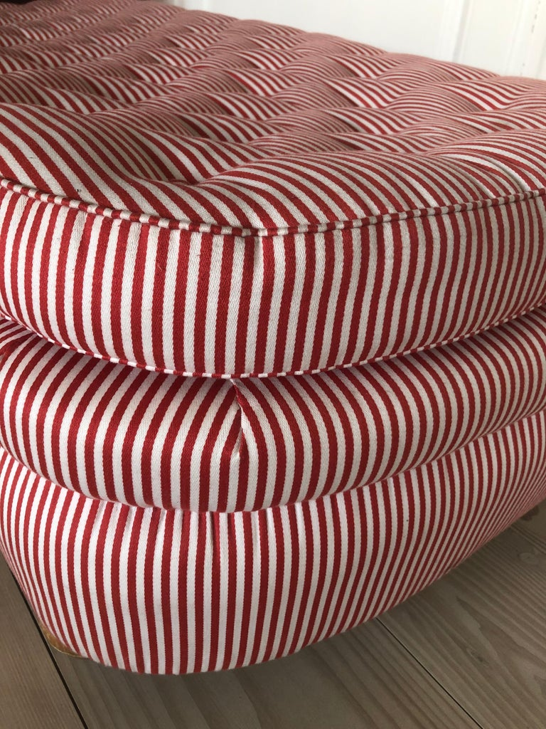 Swedish Vintage 1930s Josef Frank Daybed In Red And White Striped Textile In Good Condition For Sale In Copenhagen K, DK