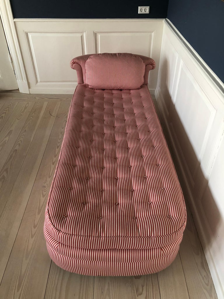 Swedish Vintage 1930s Josef Frank Daybed In Red And White Striped Textile For Sale 3