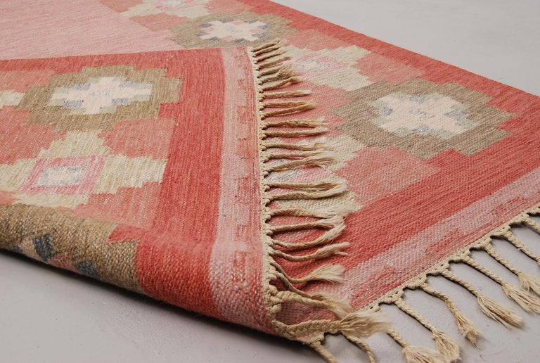Scandinavian Modern Swedish Vintage Flat-Weave Rölakan Kelim Carpet by Ingegerd Silow For Sale