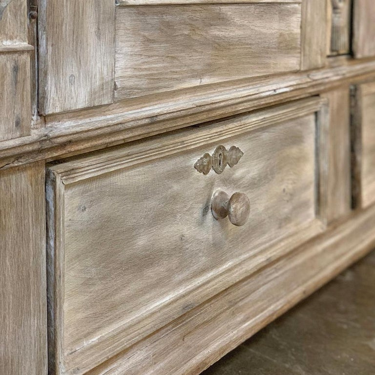 Swedish Whitewashed Armoire, 19th Century For Sale 5