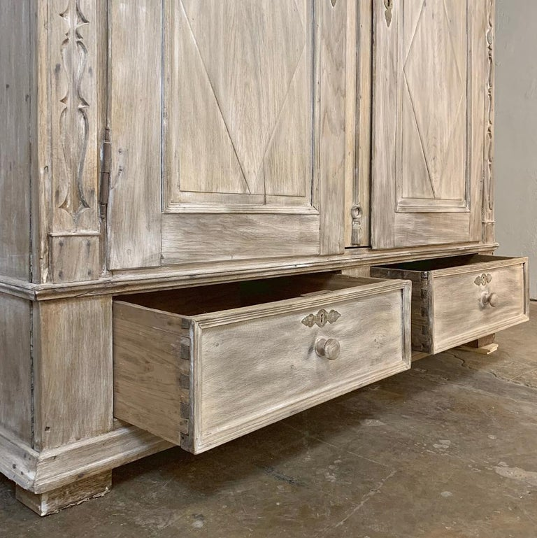 Swedish Whitewashed Armoire, 19th Century For Sale 8