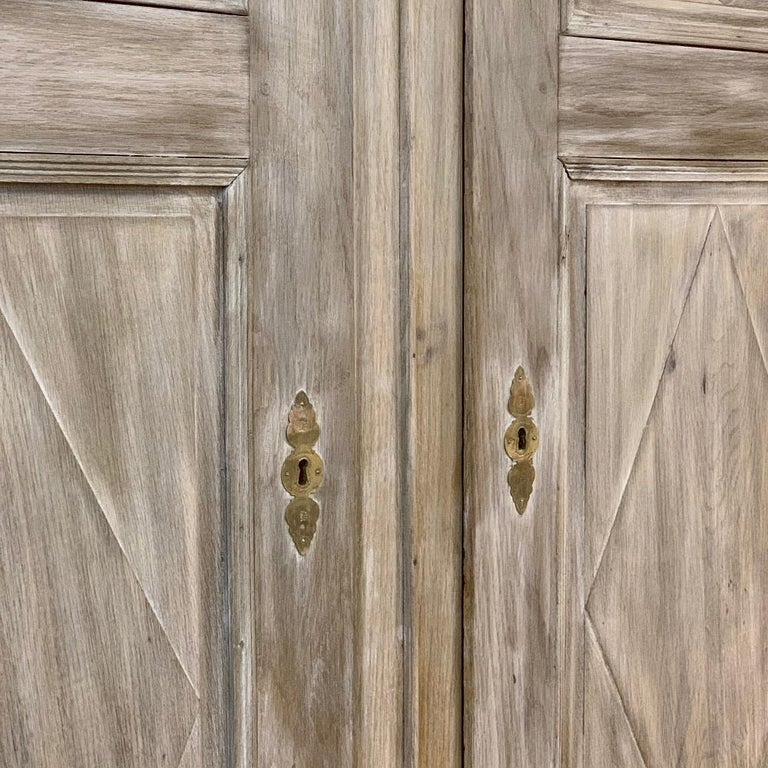 Swedish Whitewashed Armoire, 19th Century For Sale 3