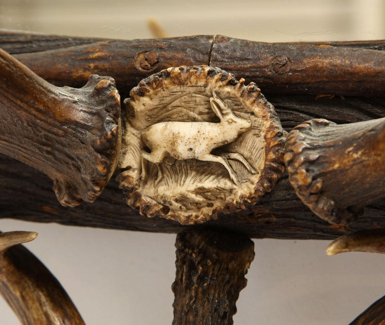 Swiss 'Black Forest' Antler and Boar Tusk-Mounted Mirror, Early 20th Century For Sale 10
