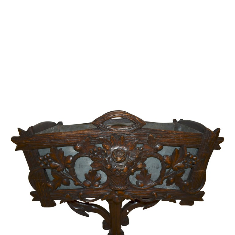 Swiss Black Forest Carved Wooden Planter Box/Jardinière, circa 1880 For Sale 1